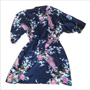 Beautiful floral/bird navy satin robe 5X